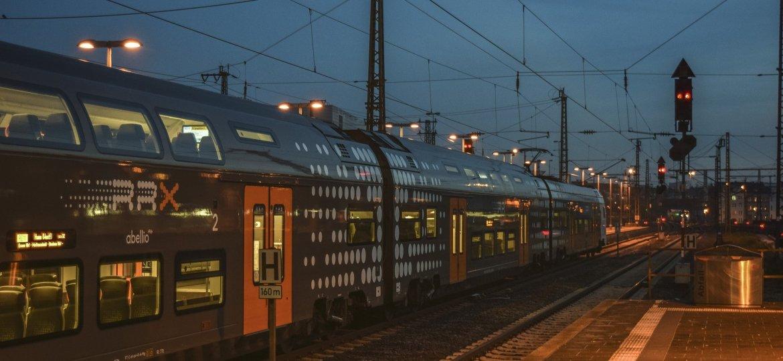 railway-station-4644316_1920a